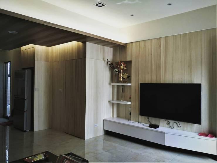 璞舍-0N.5室:  客廳 by 喬克諾空間設計