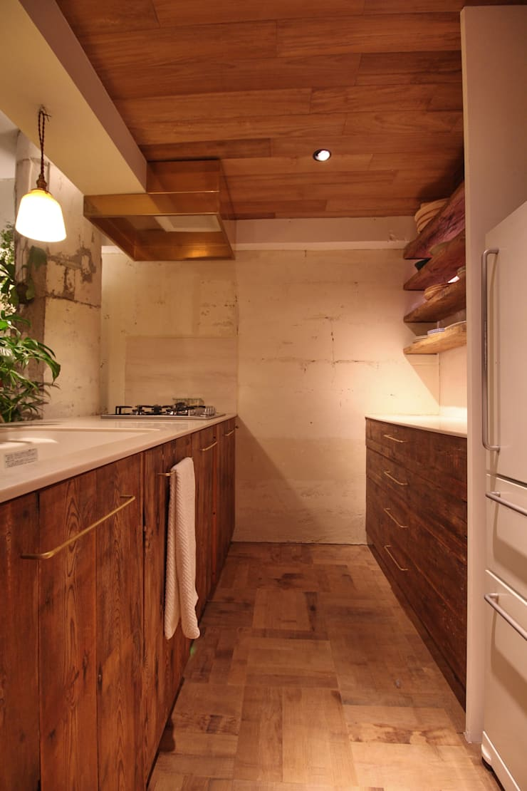Apartment in tamagawa: Mimasis Design/ミメイシス デザインが手掛けたキッチンです。