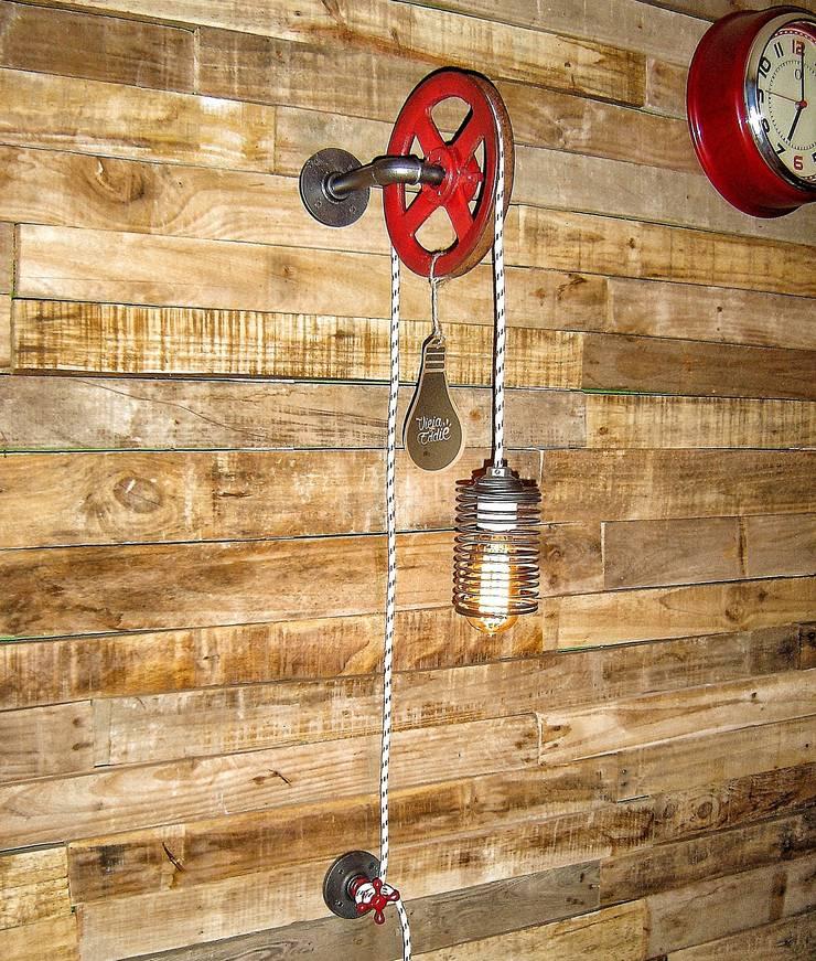 Iluminacion y Decoracion Industrial Lampara de Pared Foco Vintage: Comedores de estilo  por Lamparas Vintage Vieja Eddie