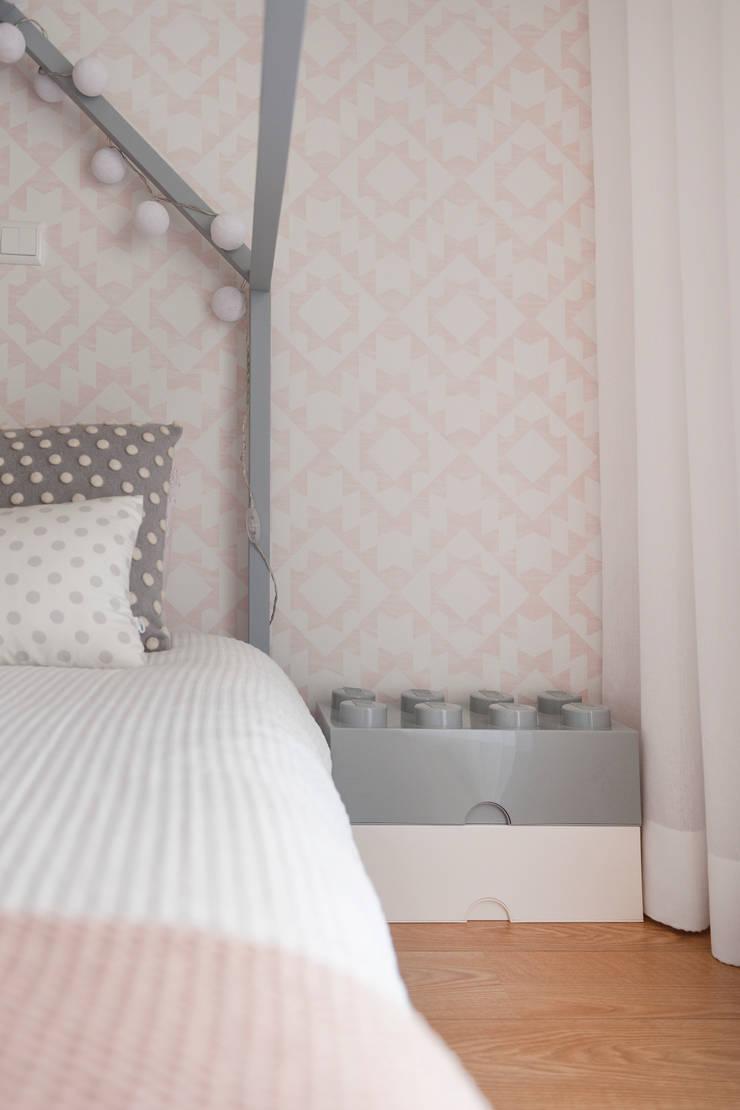 Habitaciones de niñas de estilo  de This Little Room, Escandinavo