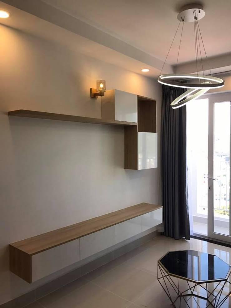 THIẾT KẾ - THI CÔNG NỘI THẤT CHUNG CƯ MELODY VŨNG TÀU:  Phòng khách by NỘI THẤT NICE Design