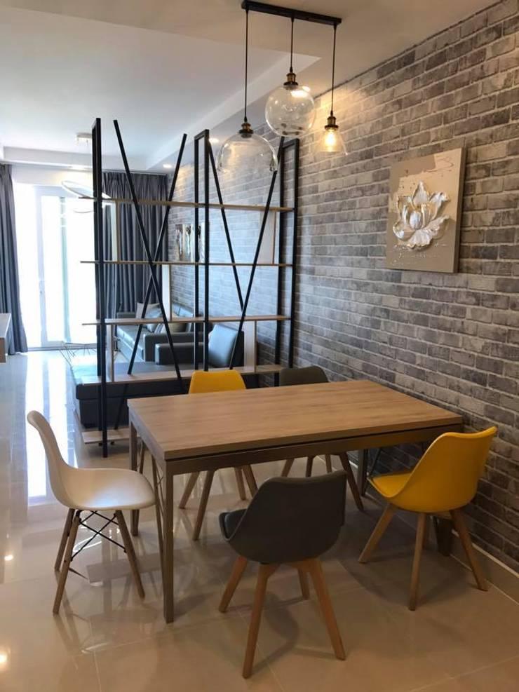 THIẾT KẾ – THI CÔNG NỘI THẤT CHUNG CƯ MELODY VŨNG TÀU:  Phòng khách by NỘI THẤT NICE Design