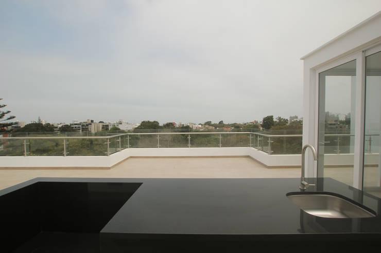 Penthouse dúplex San Isidro: Terrazas de estilo  por Artem arquitectura