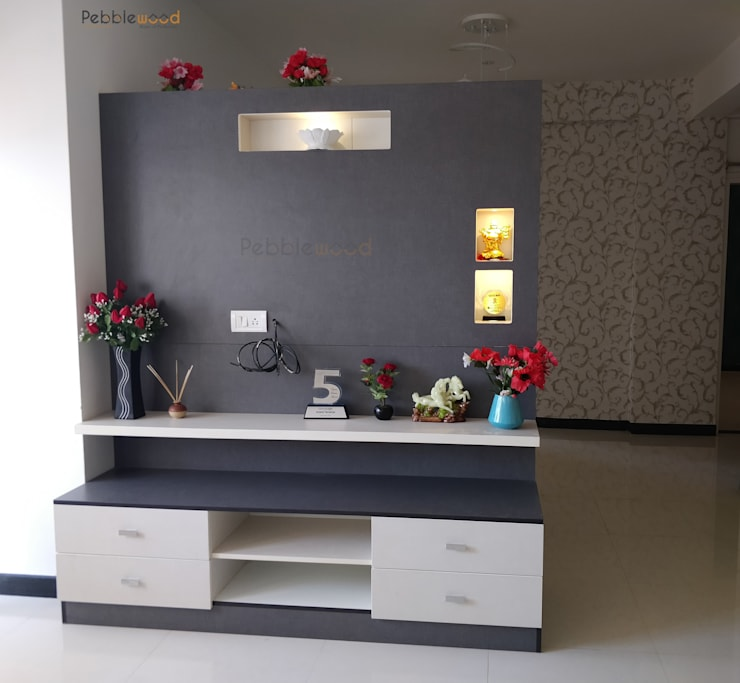 MIMS Residence - Bangalore: modern Living room by Pebblewood.in