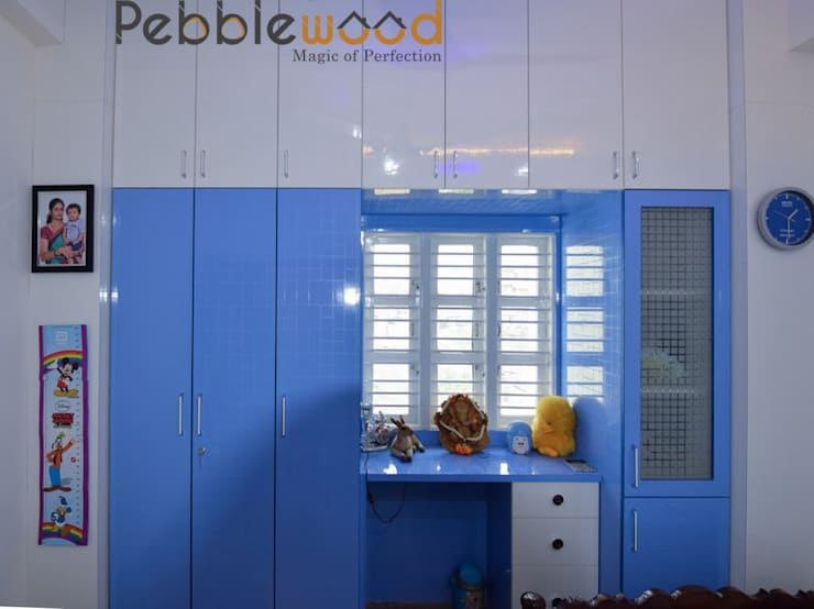 Sriharsha - Ullal - Bangalore: modern Bedroom by Pebblewood.in