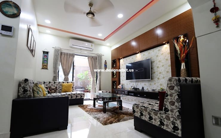Row house interior design work in Pashan Pune:  Living room by Designaddict,Modern Plywood