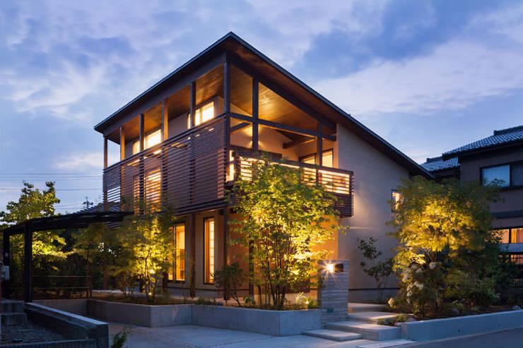 Nhà by HAN環境・建築設計事務所