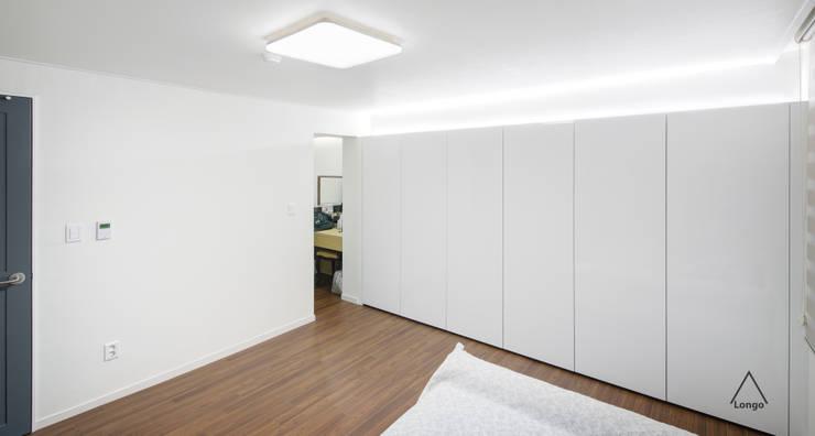 목동 진도 2차 아파트 인테리어: atelier longo 아뜰리에 롱고의  방,