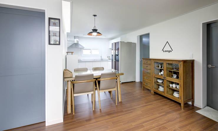 목동 진도 2차 아파트 인테리어: atelier longo 아뜰리에 롱고의  다이닝 룸,