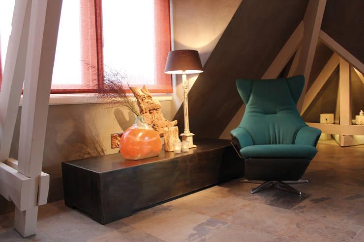 Penthouse in Den Haag:   door Alex Janmaat Interieurs & Kunst, Eclectisch