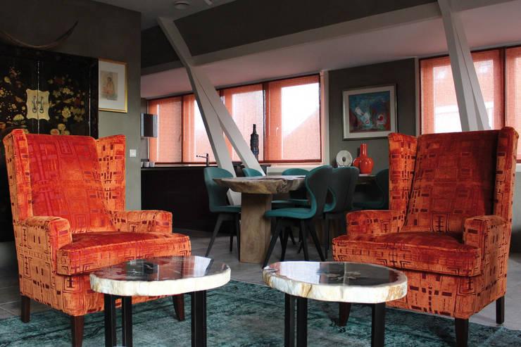 Penthouse in Den Haag:  Woonkamer door Alex Janmaat Interieurs & Kunst, Landelijk