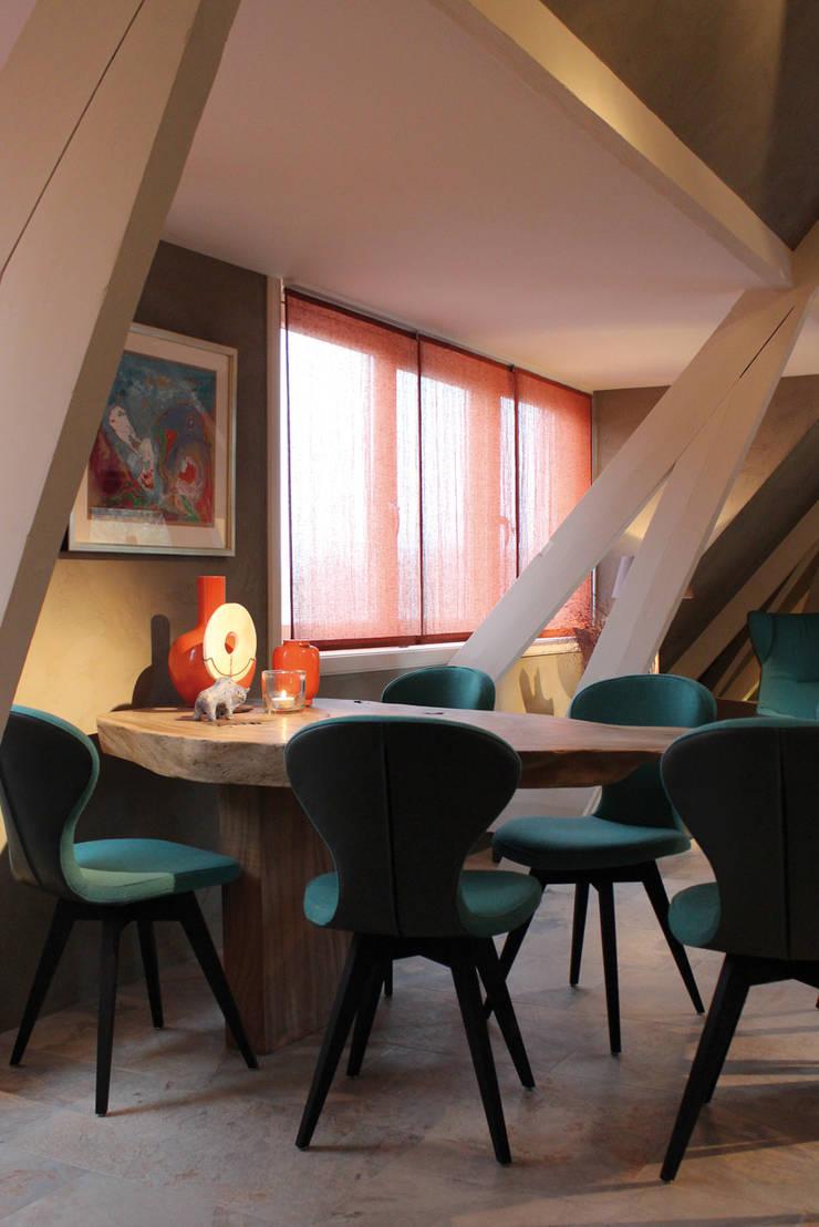 Penthouse in Den Haag:  Eetkamer door Alex Janmaat Interieurs & Kunst, Landelijk