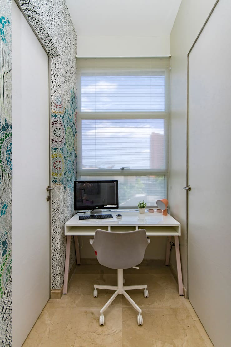 Habitación de las niñas - Área de estudio: Estudio de estilo  por Design Group Latinamerica