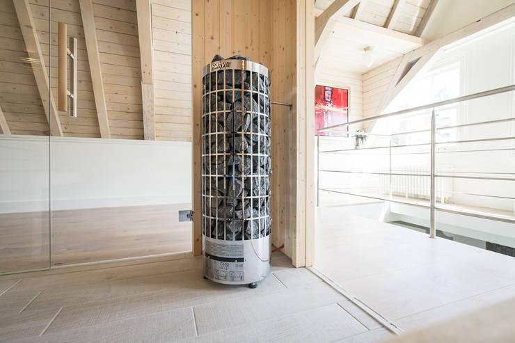 Mooie saunakachel:  Sauna door Cleopatra BV, Modern Hout Hout