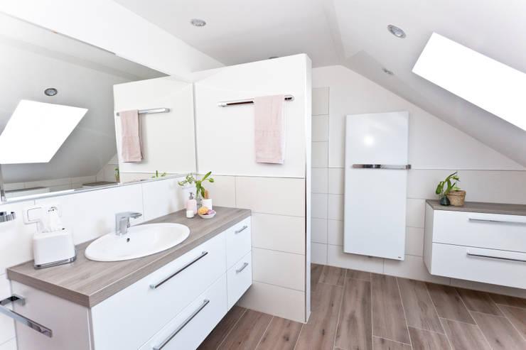 Badrenovierung in Augsburg – schickes Badezimmer unterm Dach