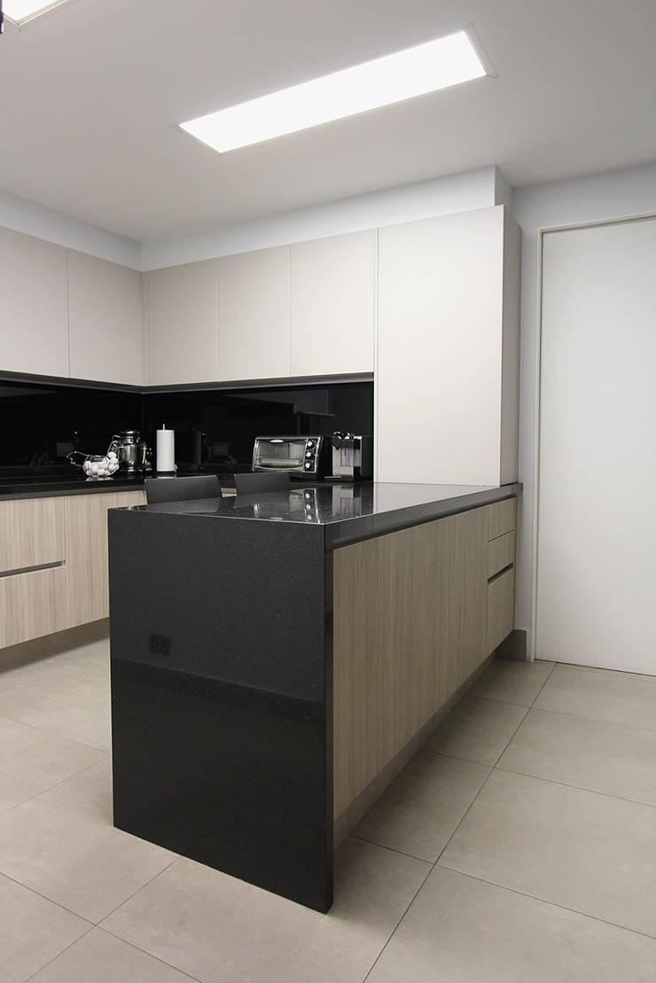 Dapur oleh ARCO Arquitectura Contemporánea , Modern