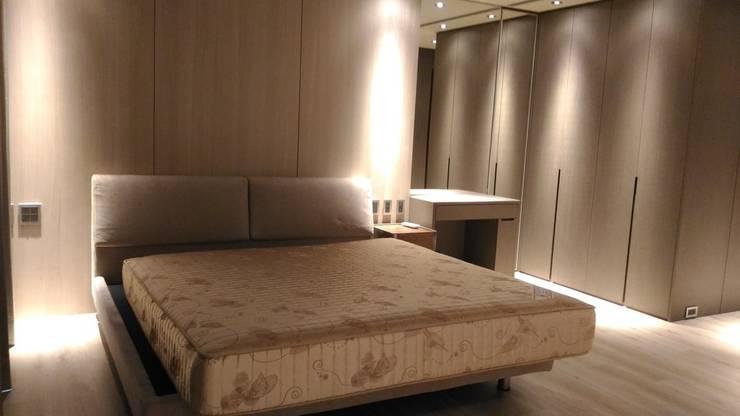 次臥室:  臥室 by 勻境設計 Unispace Designs