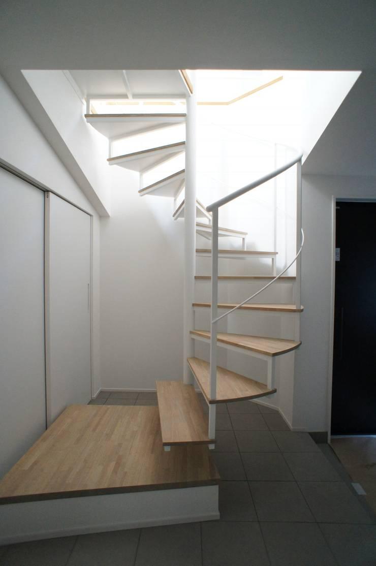 Escalier de style  par 一級建築士事務所A-SA工房,