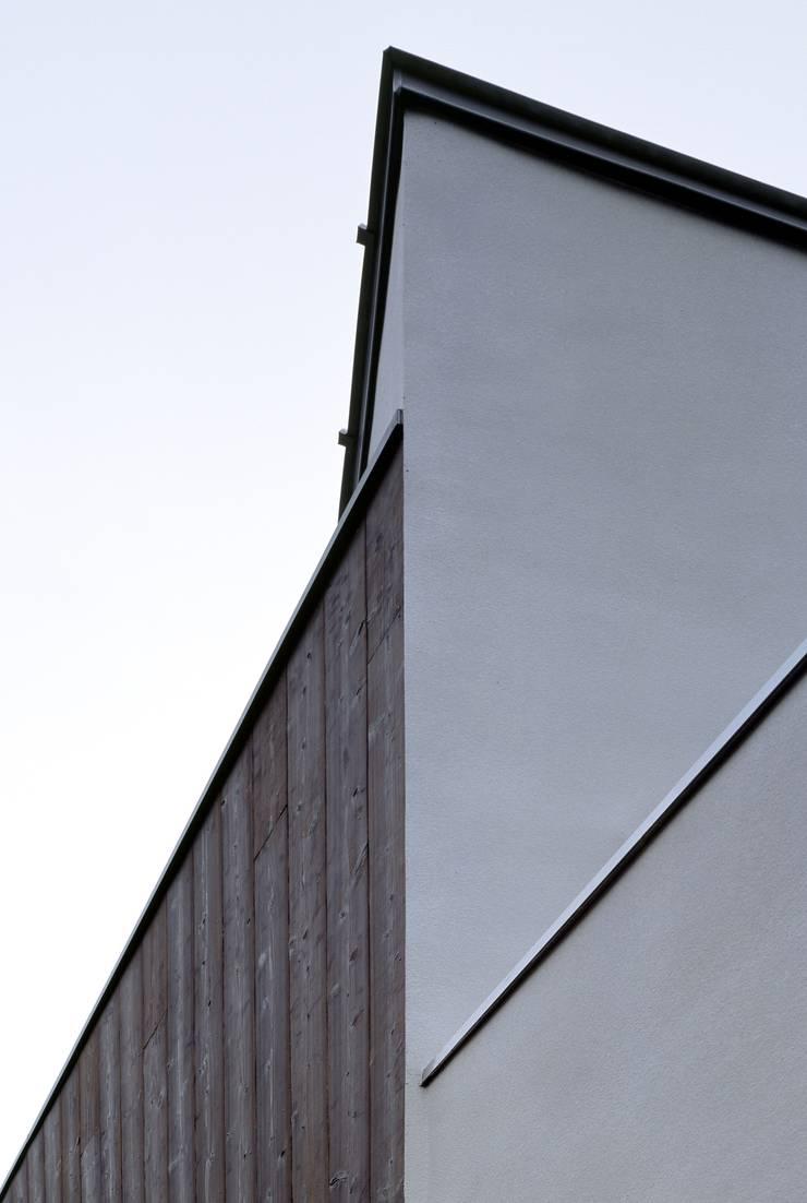 Dinding oleh 一級建築士事務所A-SA工房, Modern Kayu Wood effect
