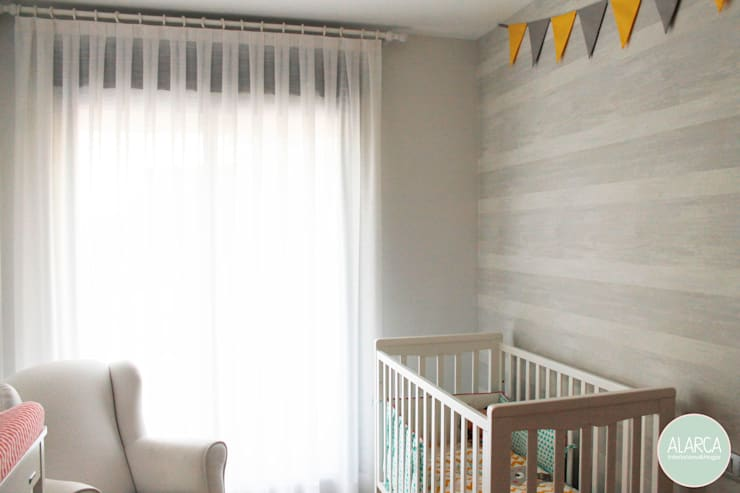 Adosado en CS. Habitación infantil: Habitaciones de bebé de estilo  de ALARCA. Interiorismo&Hogar