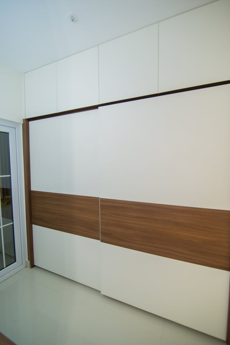 Project 2:  Dressing room by Dream Touch ,Modern