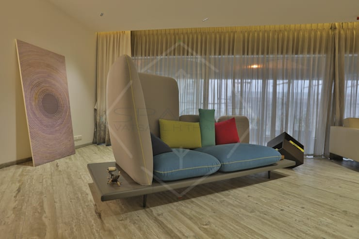 EXPRESSION:  Living room by SPACCE INTERIORS