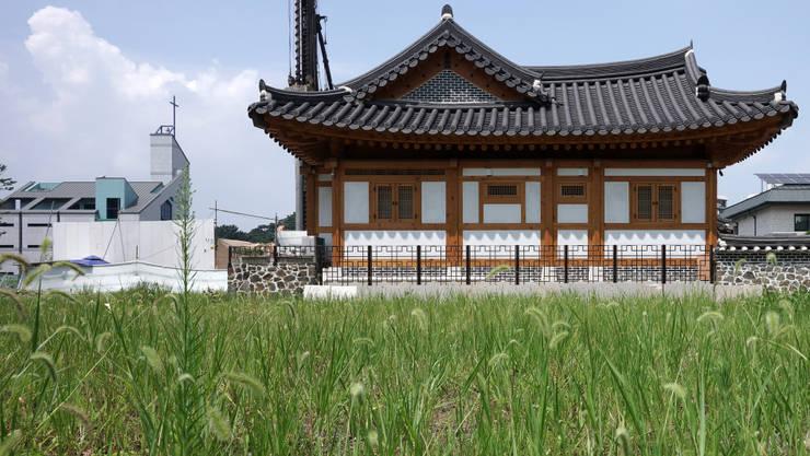 명경재: 건축사사무소 아키포럼의  주택