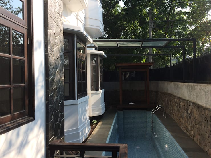 Garden Pool by Kahuripan Architect