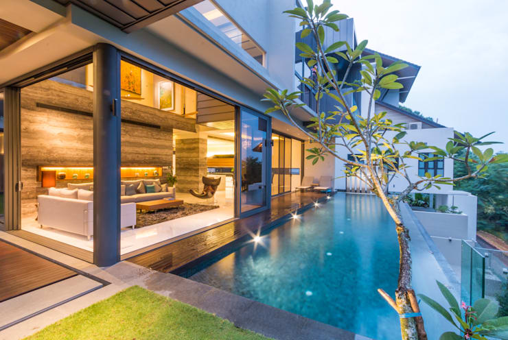 Lap Pool overlooking the Living Room:  Pool by MJKanny Architect