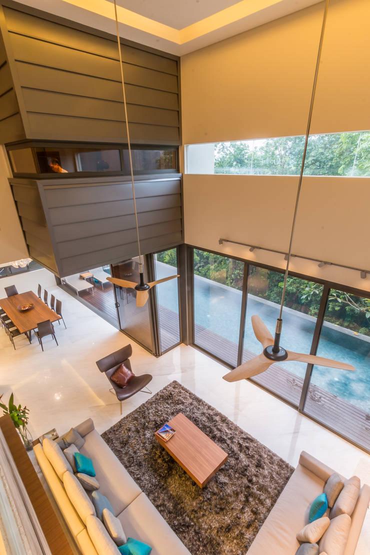 Living room by MJKanny Architect