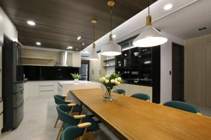 人文自然派的no.229舍:  餐廳 by 喬克諾空間設計