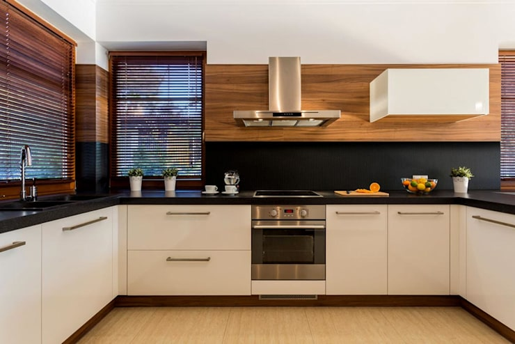 Kitchen: modern Kitchen by Workz Services LLP