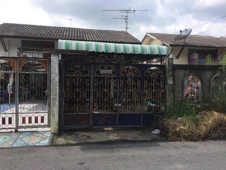 ประตูและรั้วบ้านเดิมก่อนการรีโนเวท:   by สายรุ้งรีโนเวท