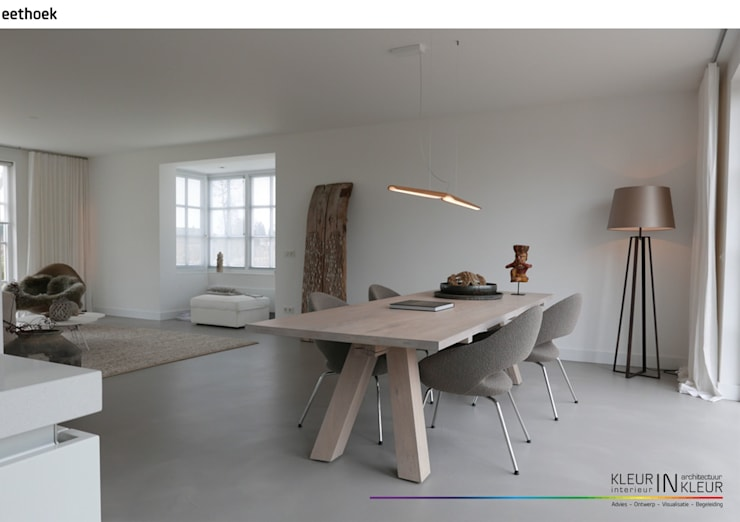 minimalistisch interieur:  Woonkamer door KleurInKleur interieur & architectuur, Minimalistisch