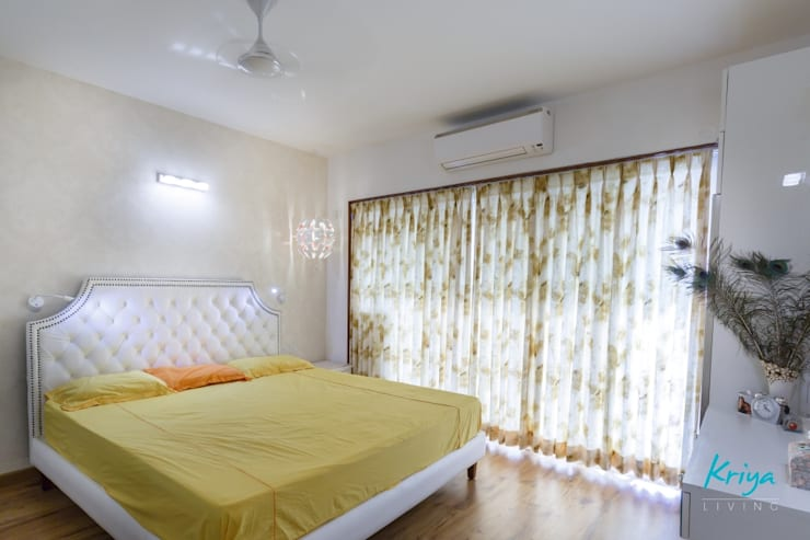 3 BHK Apartment - Fairmont Towers, Bengaluru: classic Bedroom by KRIYA LIVING
