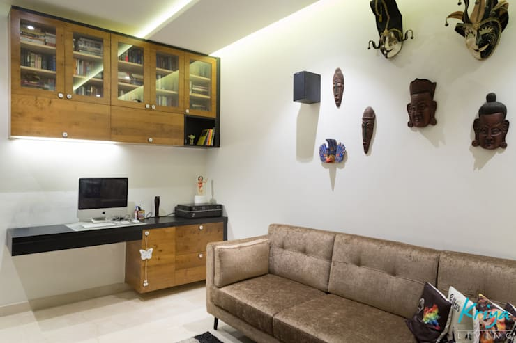 3 BHK Apartment - Raheja Pebble Bay:  Study/office by KRIYA LIVING