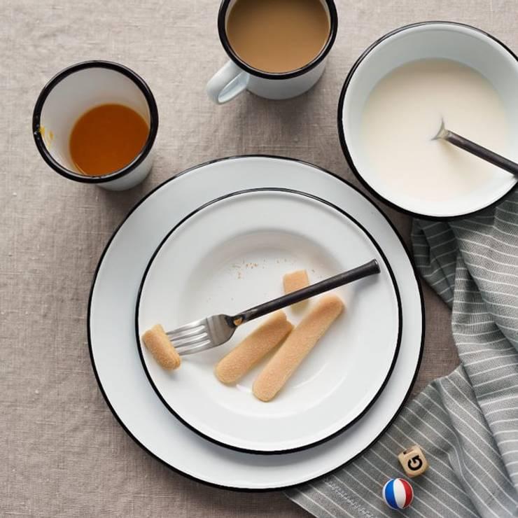 Platos Enlozados Vintage: Cocinas de estilo  por Todo Interiores,