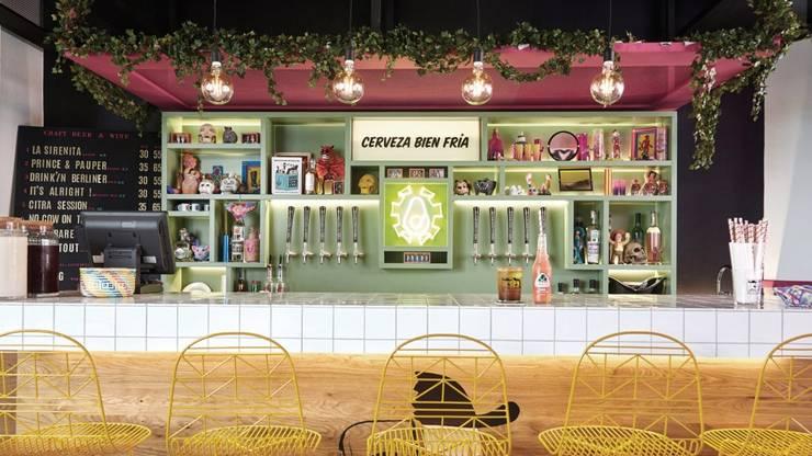 1: Bares y discotecas de estilo  por ESTUDIO TANGUMA