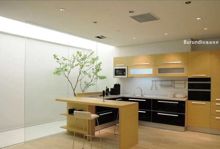Kitchen by YALIG Kitchen Cabinet