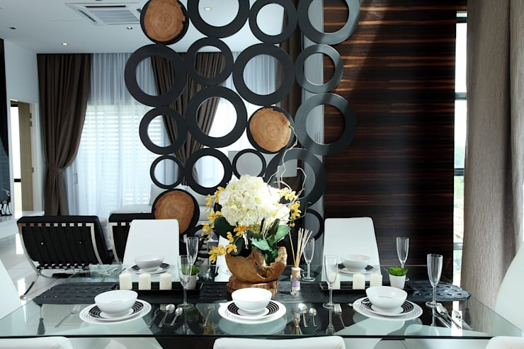 16 Sierra:  Dining room by Hatch Interior Studio Sdn Bhd