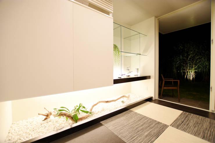 和室: 有限会社 秀林組が手掛けた和室です。