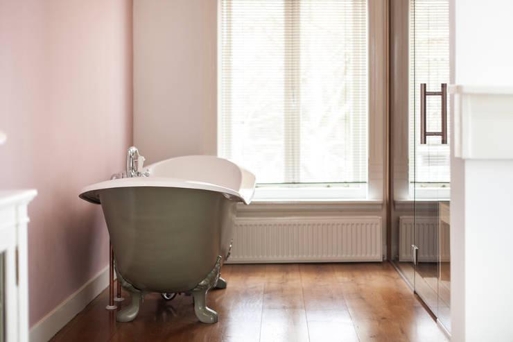 Zo kies je de perfecte raambekleding voor jouw badkamer met 20 mooie