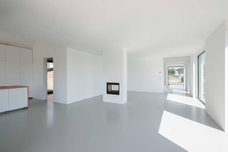 Eetkamer door JADE architecten