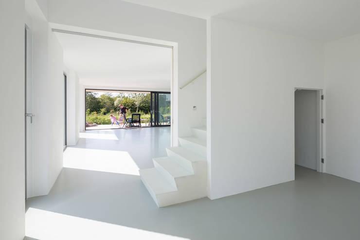 Trap door JADE architecten