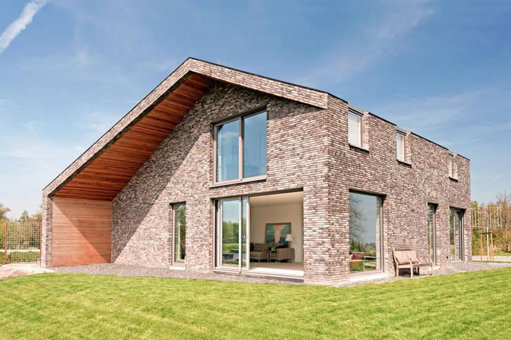 Eengezinswoning door JADE architecten, Modern