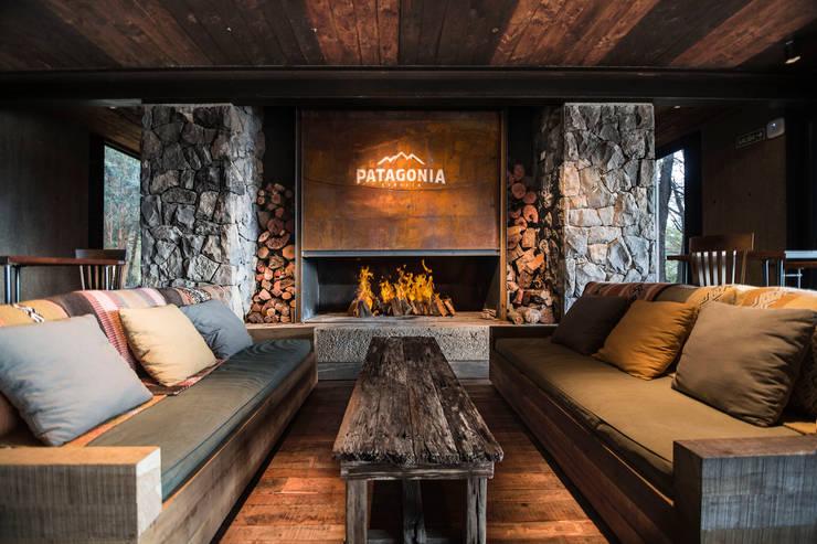 Cervecería Patagonia: Interiorismo : Bares y Clubs de estilo  por Bórmida & Yanzón arquitectos,