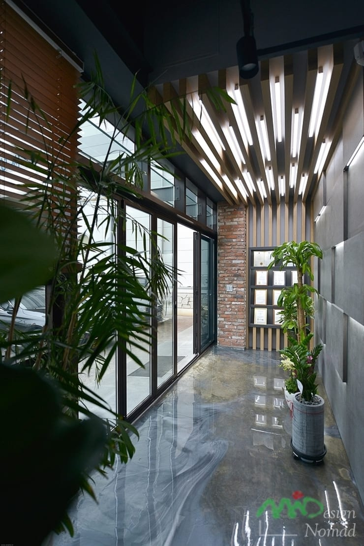부산 카페같은 사무실인테리어 – 노마드디자인: 노마드디자인 / Nomad design의  서재 & 사무실
