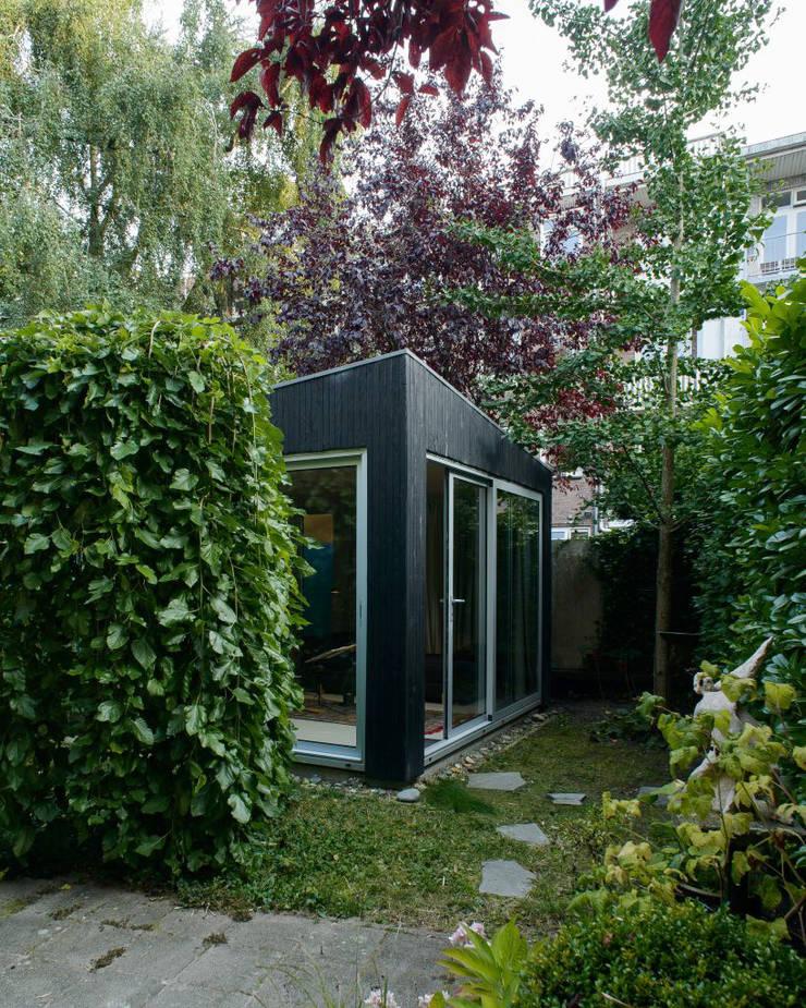 Tuinhuis - Exterieur:  Tuinhuis door Unknown Architects