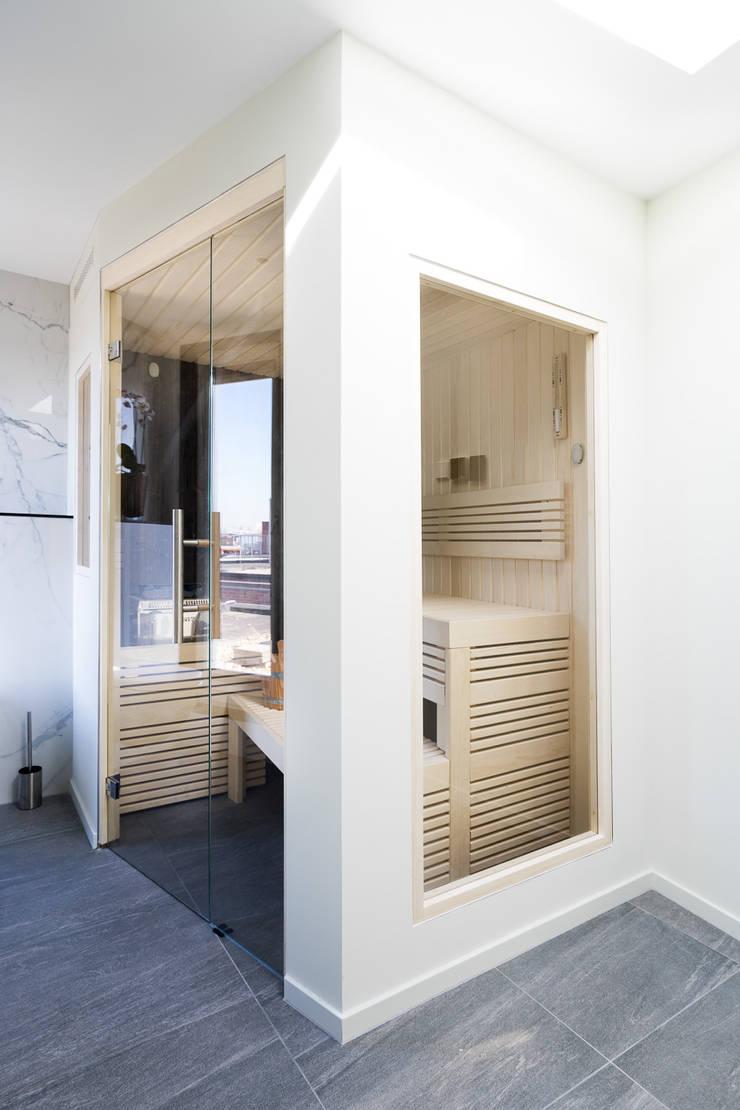 Cleopatra sauna:  Badkamer door Cleopatra BV, Modern Hout Hout