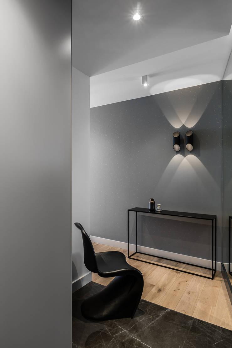 Corridor & hallway by Anna Serafin Architektura Wnętrz